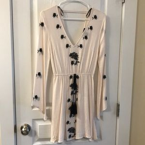 NWOT Embroidered Swim Coverup Size Small